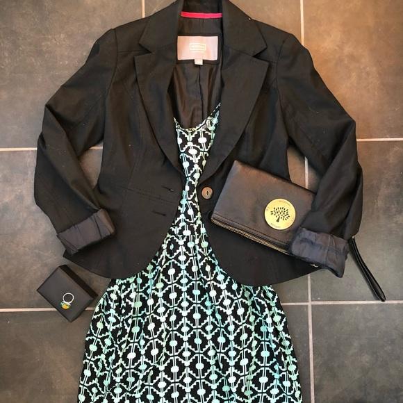 Fitted black blazer